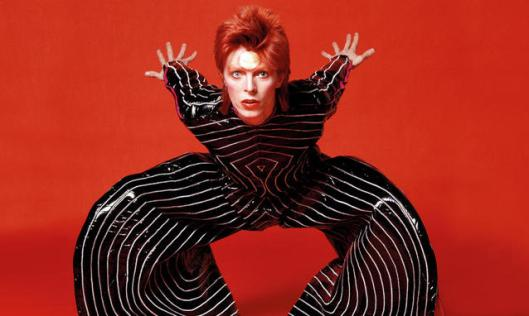 david-bowie-40-anni-di-ziggy-stardust-l-alieno-sessualmente-ambiguo_h_partb.jpg